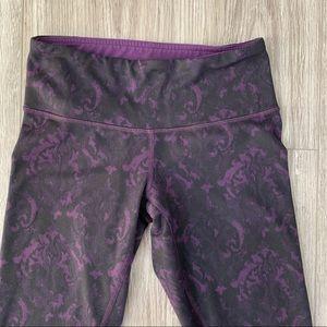 Lululemon Leggings Pants Purple and Black Print  4